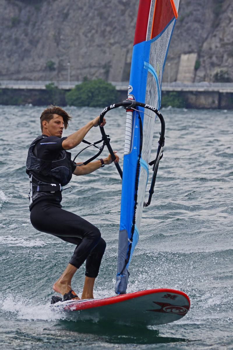 2 ore di lezione privata di Windsurf dal principiante al freestyle