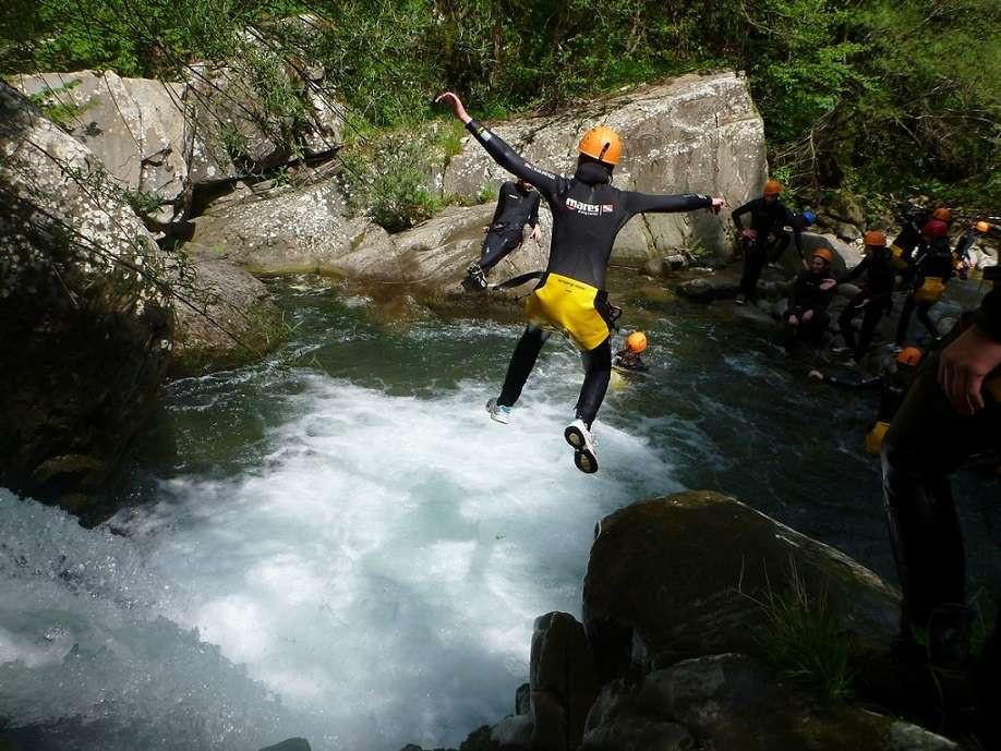 Canyoning Experience sul fiume Secchia nell'Appennino Reggiano