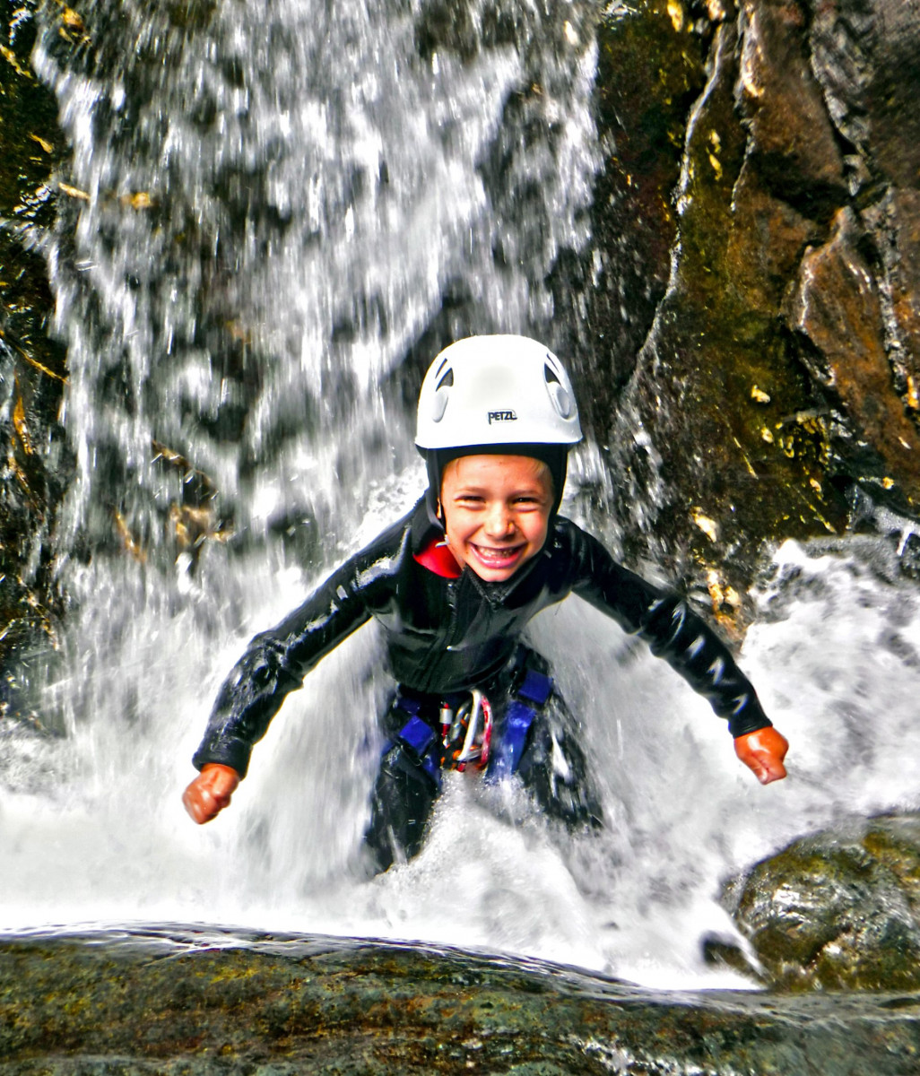 Canyoning Family nel torrente Chalamy in Valle d'Aosta