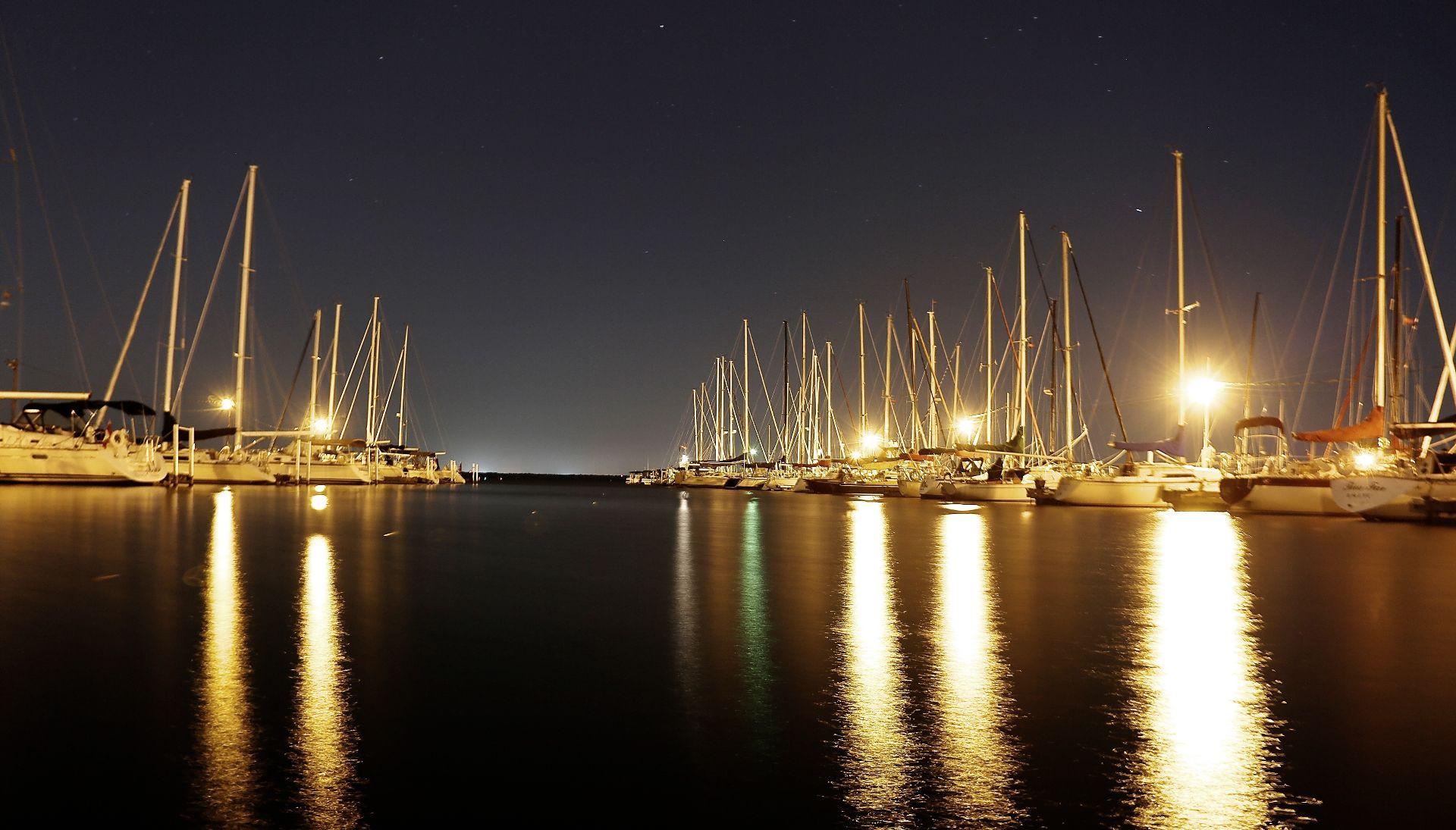 Cena esclusiva e notte in yacht a Castellammare di Stabia