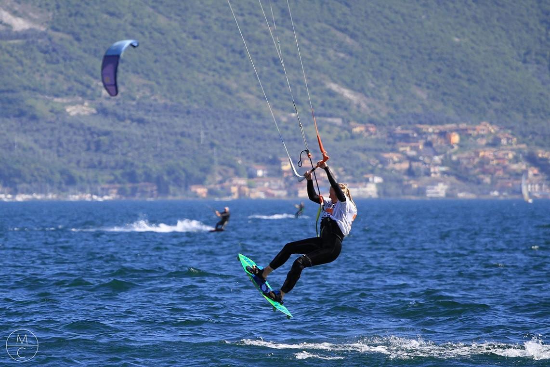 Corso avanzato di kitesurf da 2 lezioni sul Lago di Garda