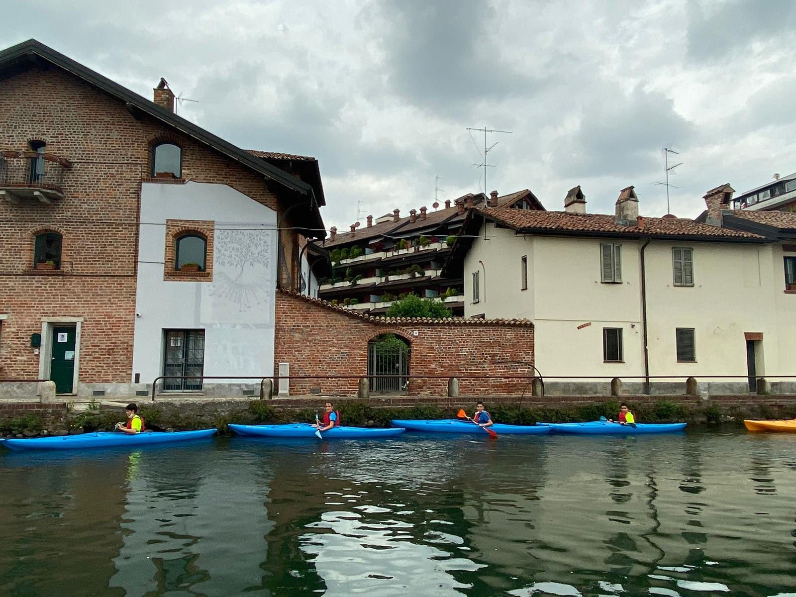 Corso base di kayak sui Navigli di Milano