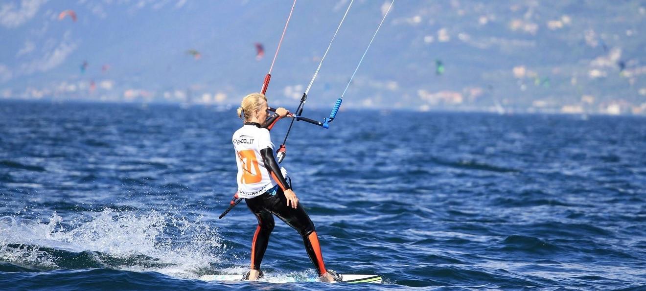 Corso base di kitesurf da 2 lezioni sul Lago di Garda