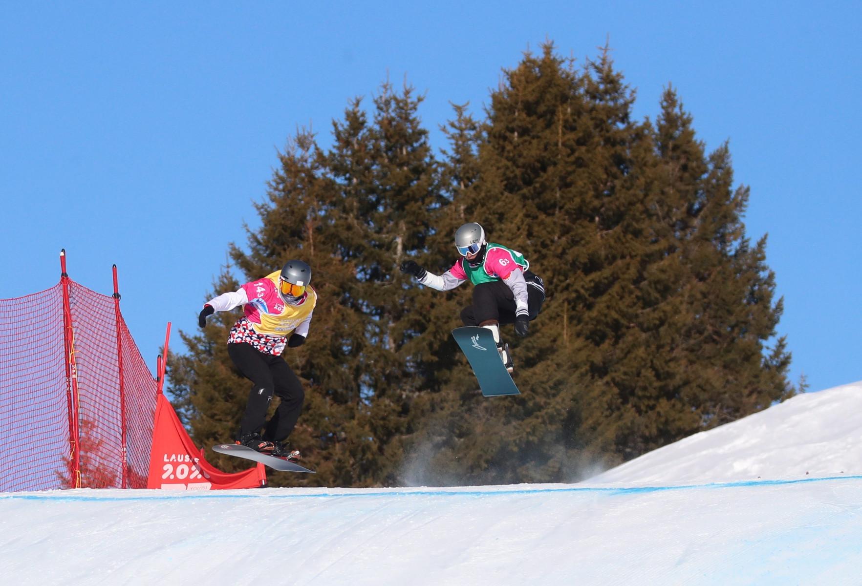 Corso collettivo di snowboard per adulti a Sauze d'Oulx