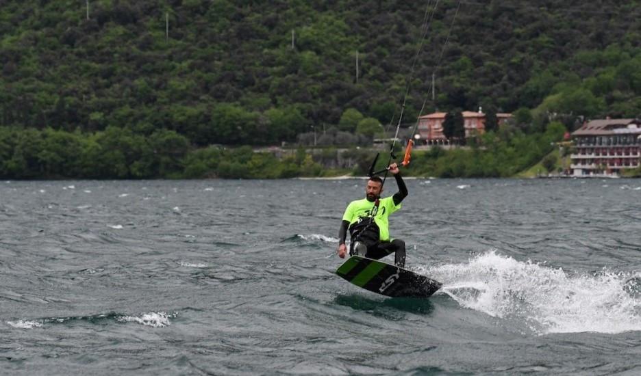 Corso intermedio/avanzato di kitesurf di 2 giorni sul Lago di Garda