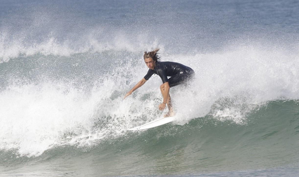 Corso privato di surf da 3 lezioni in provincia di Genova