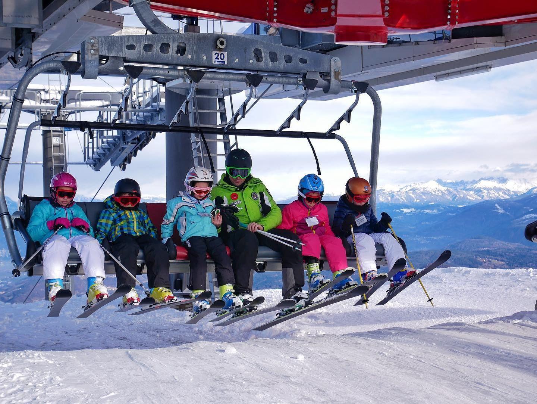 Corso di sci collettivo per bambini sul Monte Bondone