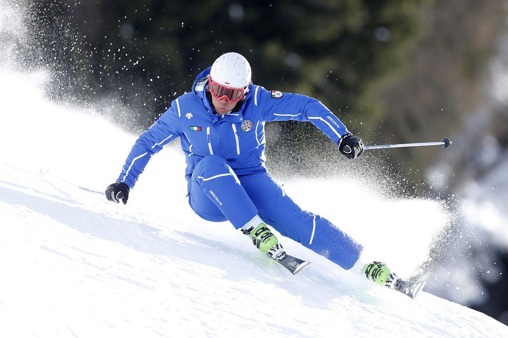 Corso di sci di gruppo per adulti intermedi a Dobbiaco