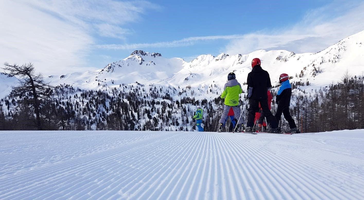 Corso di sci del weekend per bambini a Claviere
