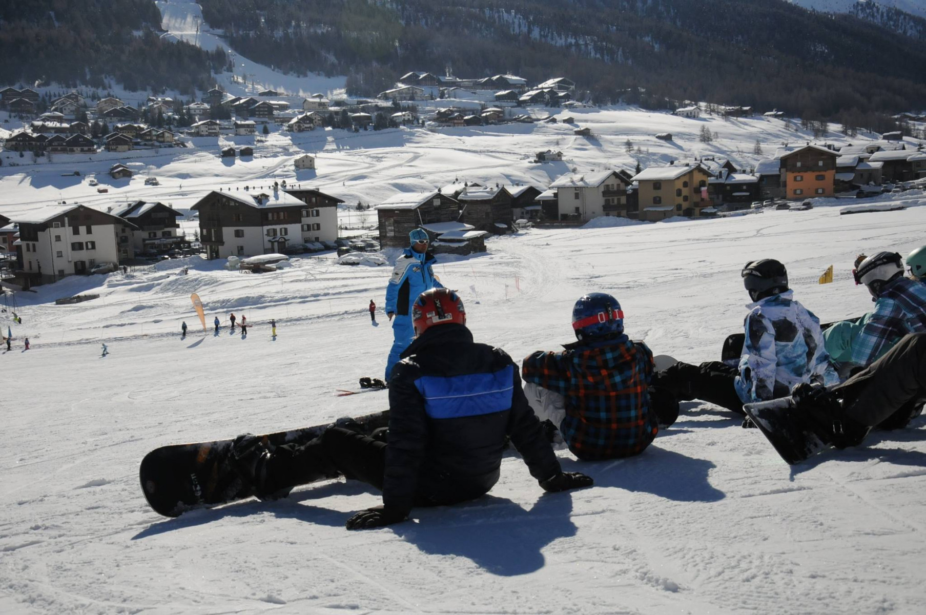 Corso di snowboard di gruppo per bambini a Livigno