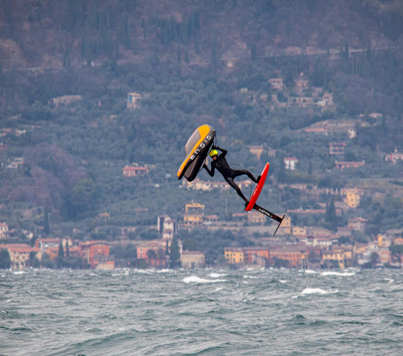 Corso di Wing Foil da 3 lezioni sul Lago di Garda