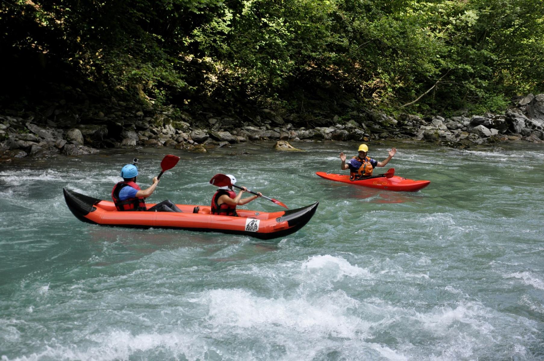 Discesa in kayak raft sul fiume Stura di Demonte