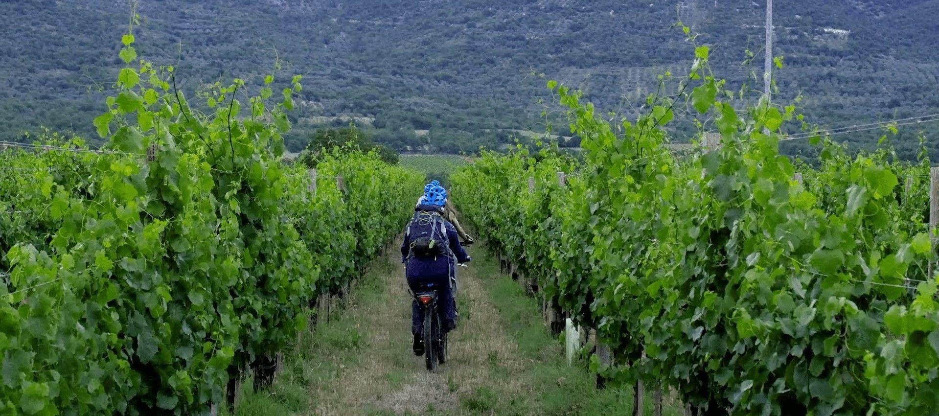 E-bike tour nella Valle del Tirino con cena e degustazione