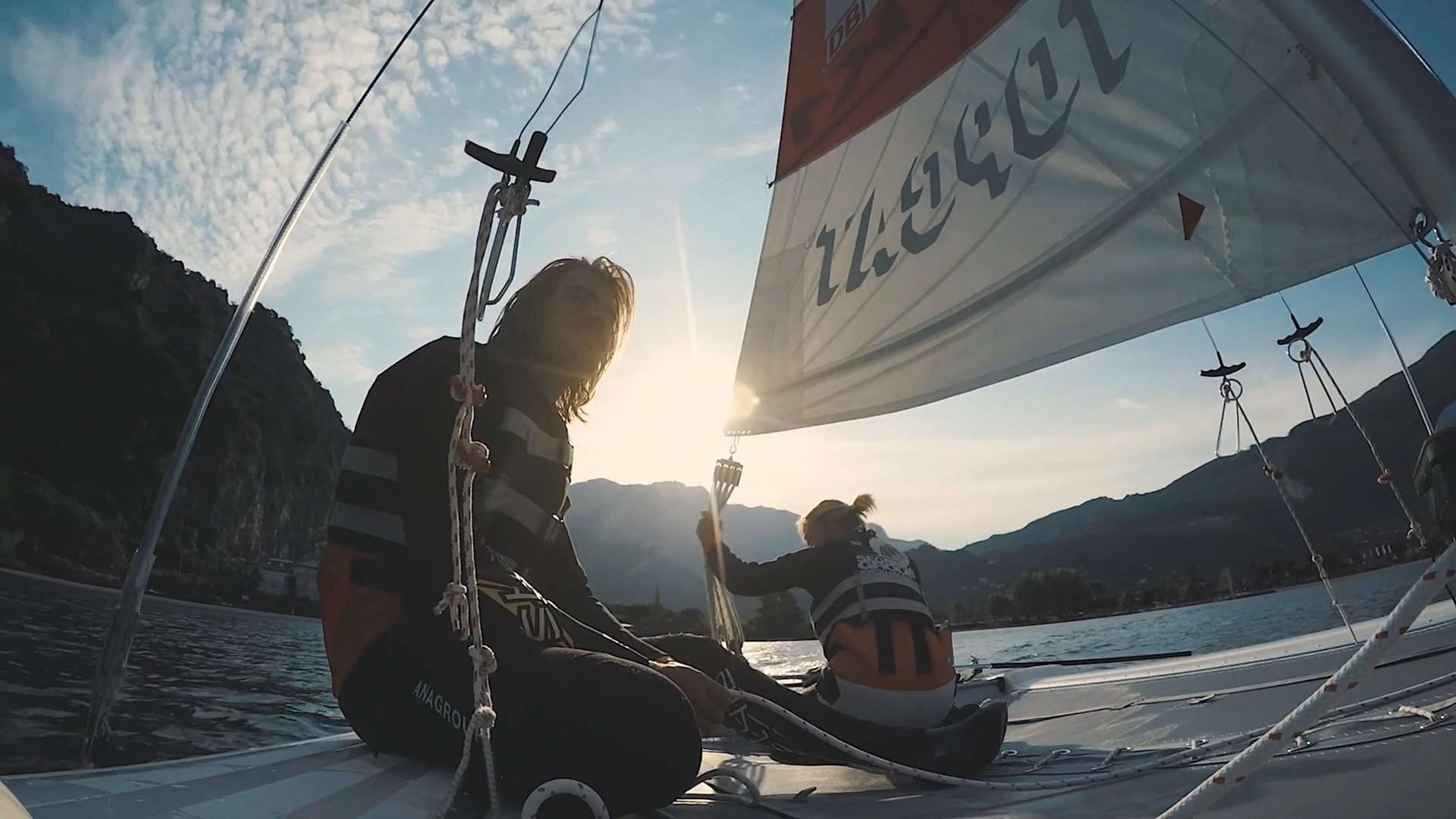 Escursione in Barca a Vela Fun Sailing sul lago di Garda - 2 ore con istruttore