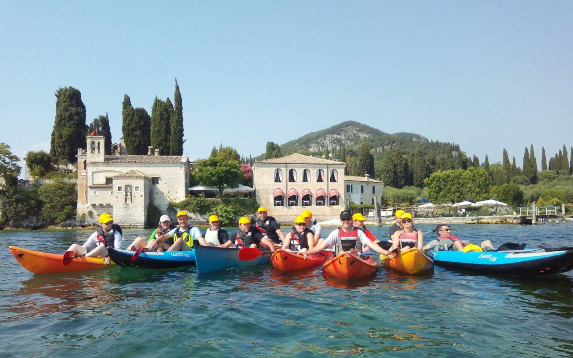 Escursione in canoa a Punta San Vigilio sul Lago di Garda