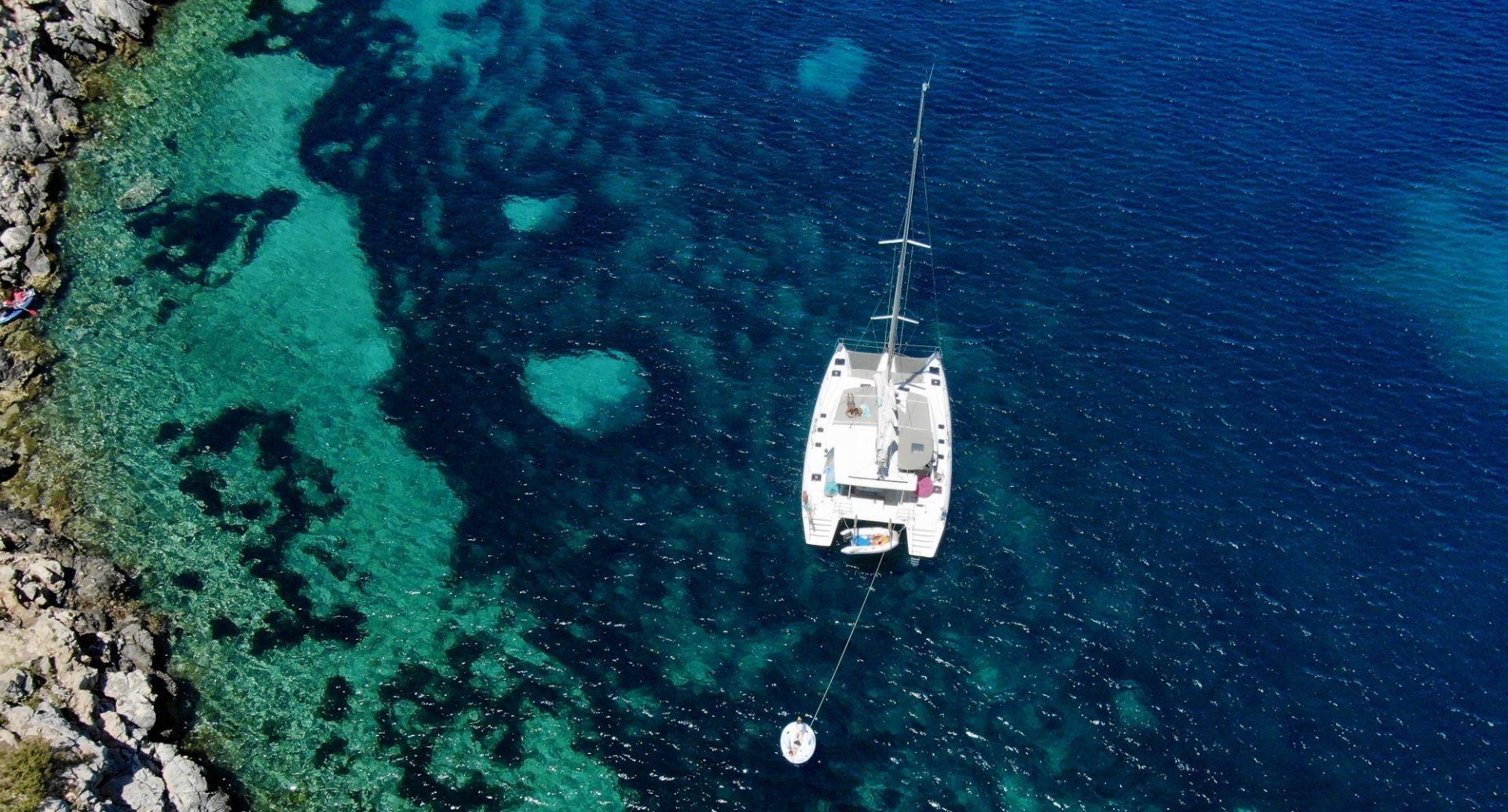 Escursione giornaliera in catamarano nel golfo di Alghero