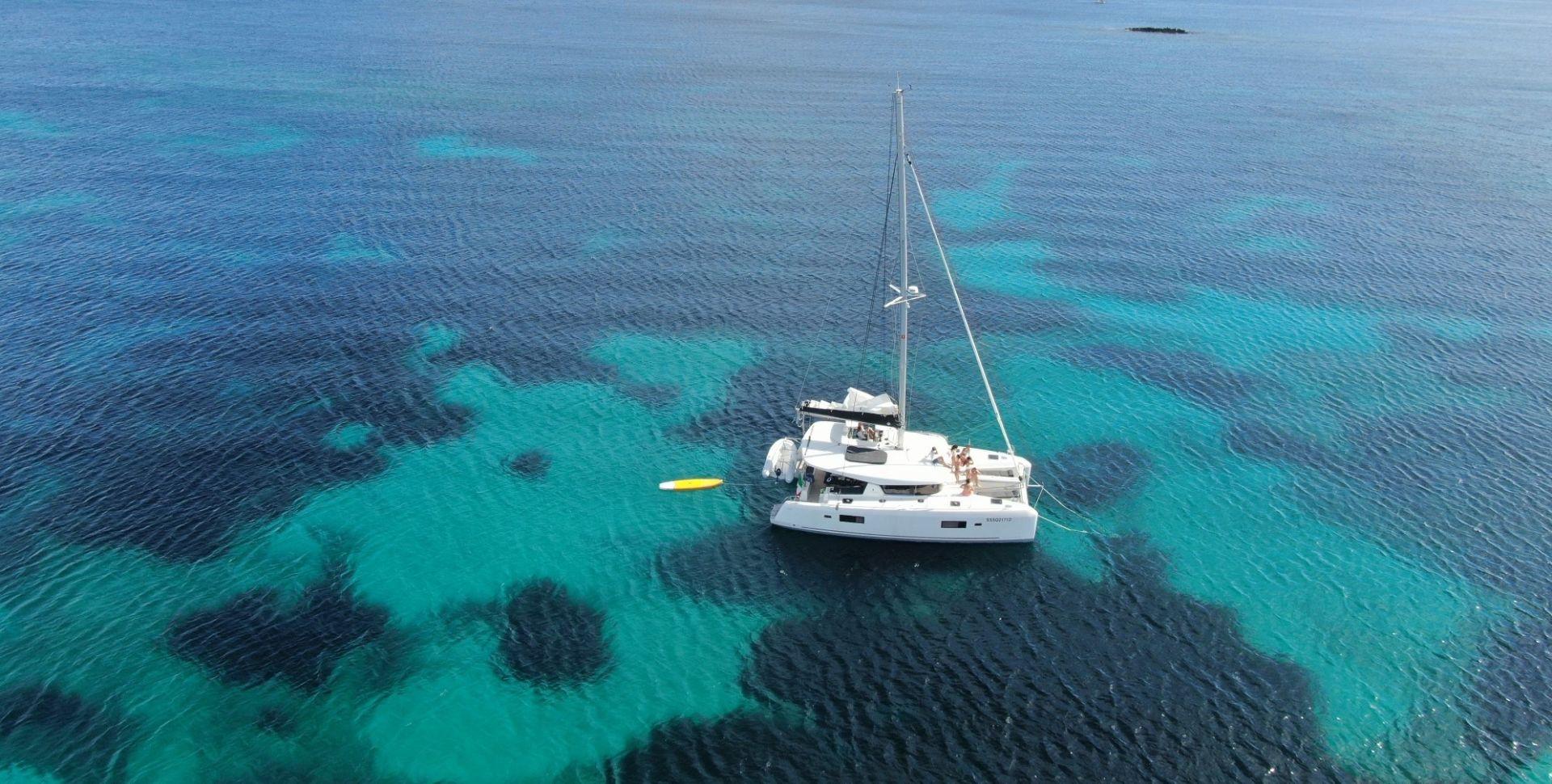 Giornata in catamarano privato nel Golfo di Alghero
