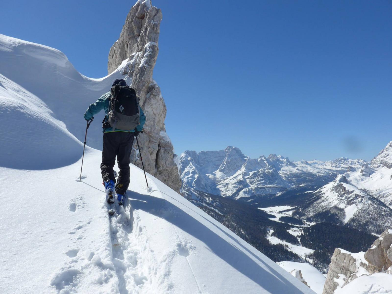 Escursione di sci alpinismo sulle Dolomiti