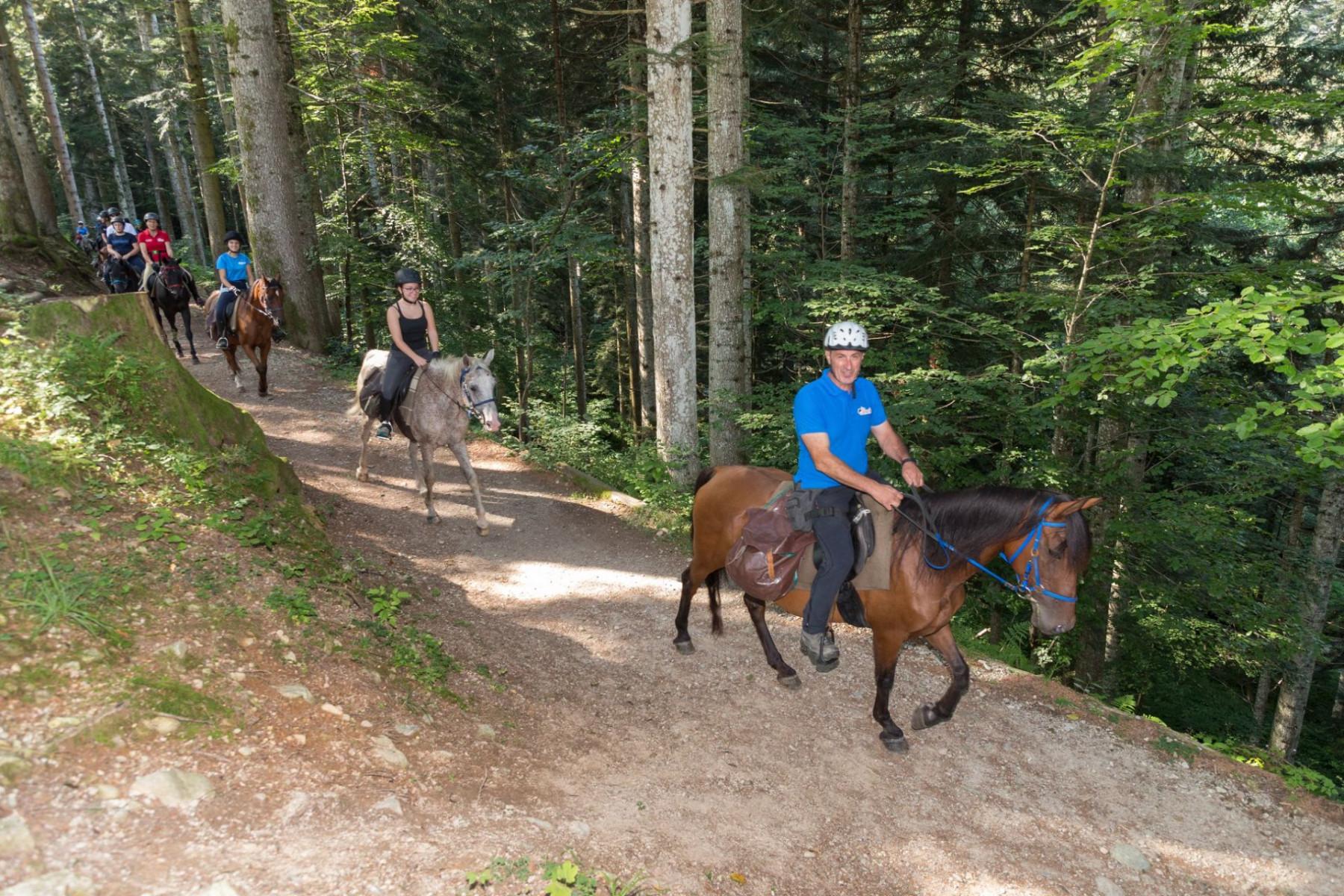 Giornata di avvicinamento all'equitazione ed escursione al Monte Olocco