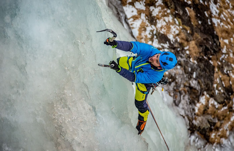 Giornata di avvicinamento all'ice climbing in Valmalenco