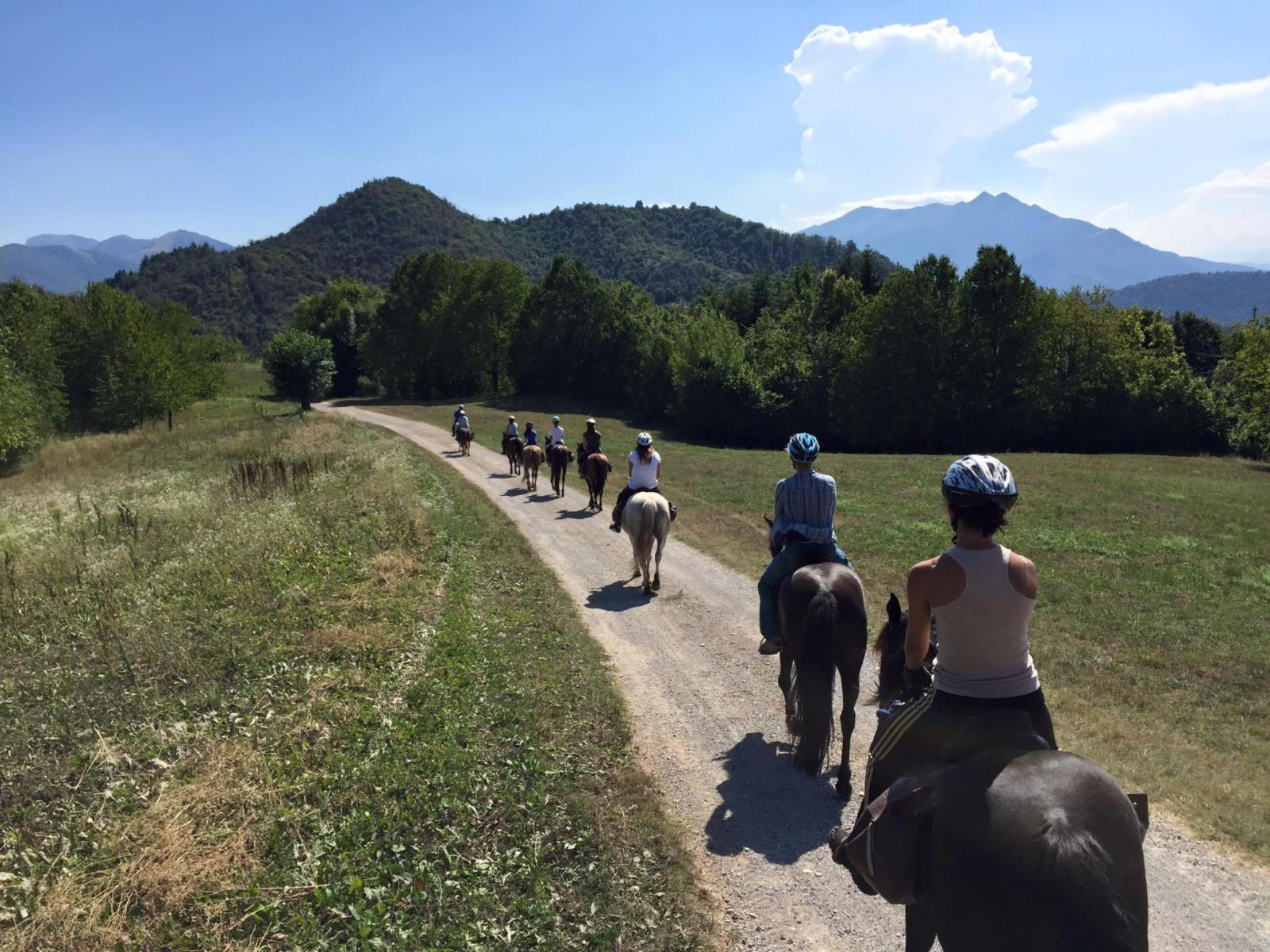 Giornata a cavallo e pic-nic al Lago di Pianfei