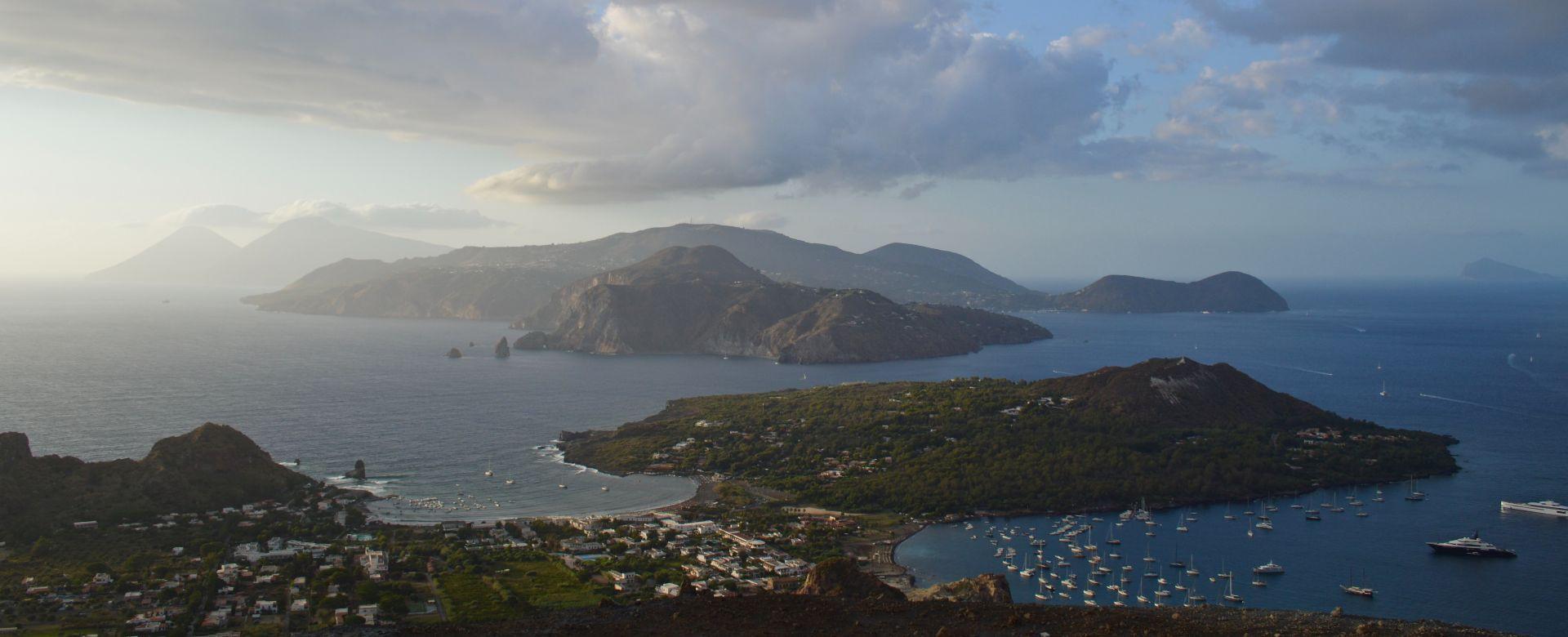 Gita in barca alla scoperta dell'isola di Vulcano