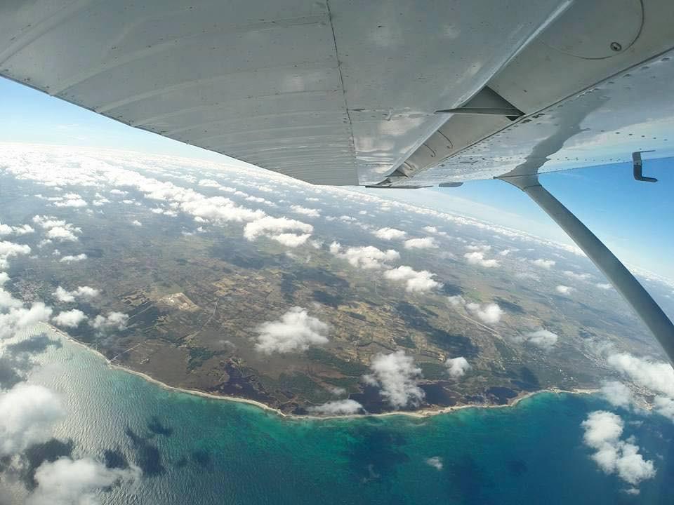 Lancio in tandem con paracadute sulla costa livornese