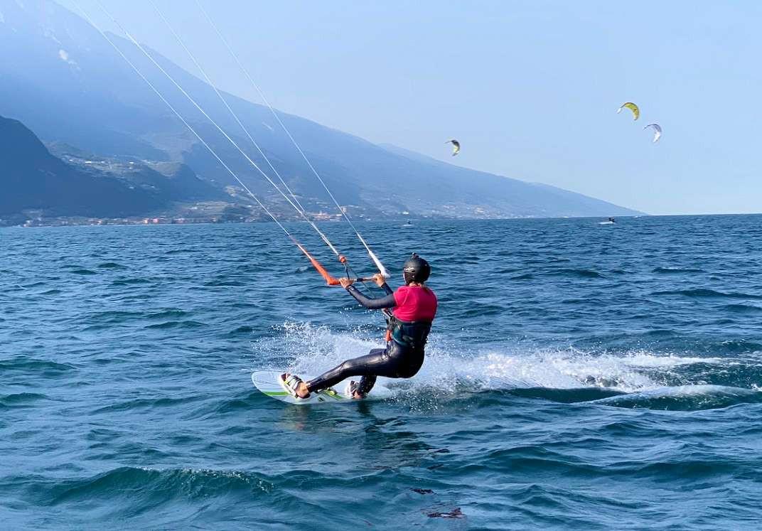 Lezione introduttiva di kitesurf sul Lago di Garda