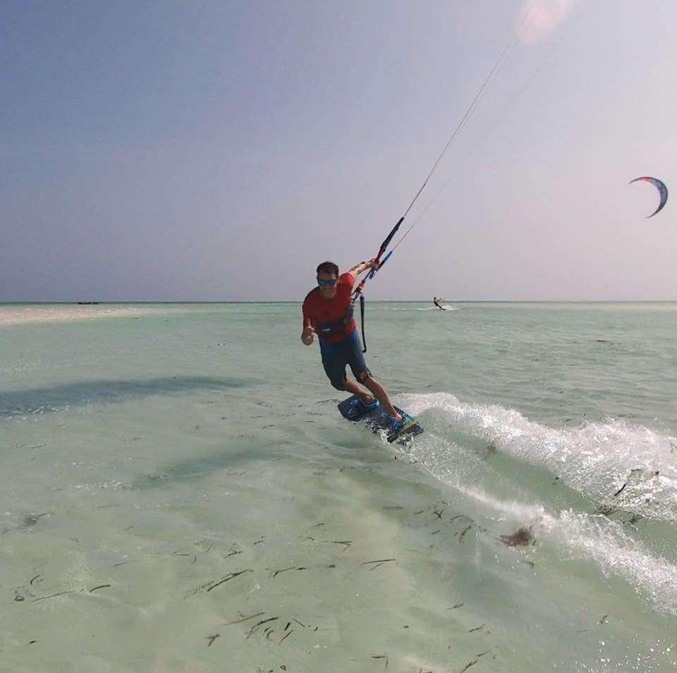 Lezione privata di perfezionamento kitesurf in Salento