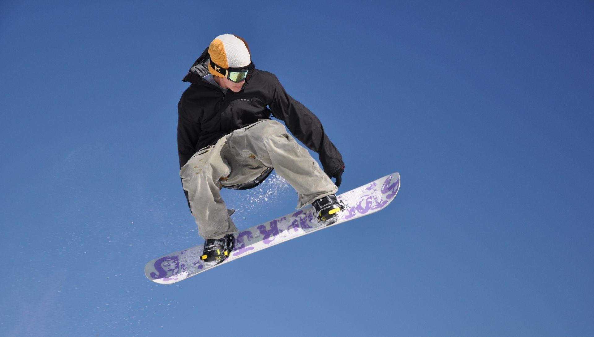 Lezione privata di snowboard freestyle a Piancavallo