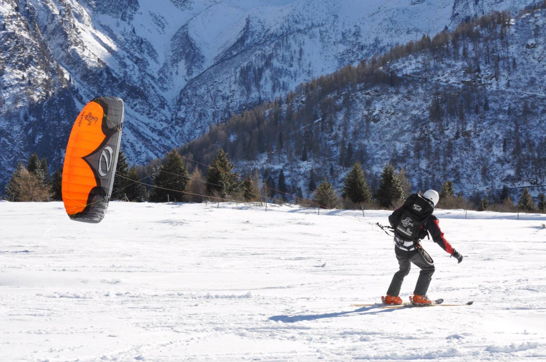 Lezione individuale di snowkite sul Passo del Tonale (TN)