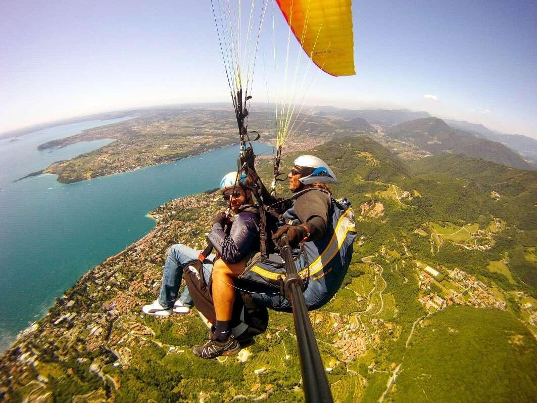 Volo in parapendio biposto sul Lago di Garda (BS)