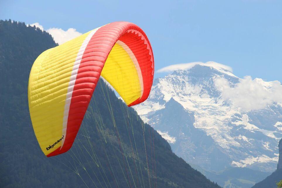 Volo in parapendio biposto sul Monte Maddalena (BS)