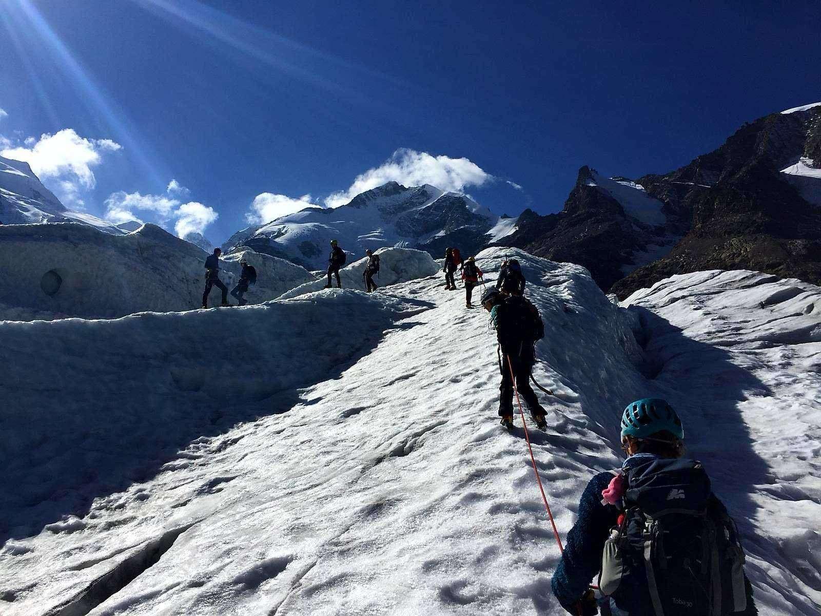 Stage progressione sul ghiacciaio Morteratsch in Svizzera
