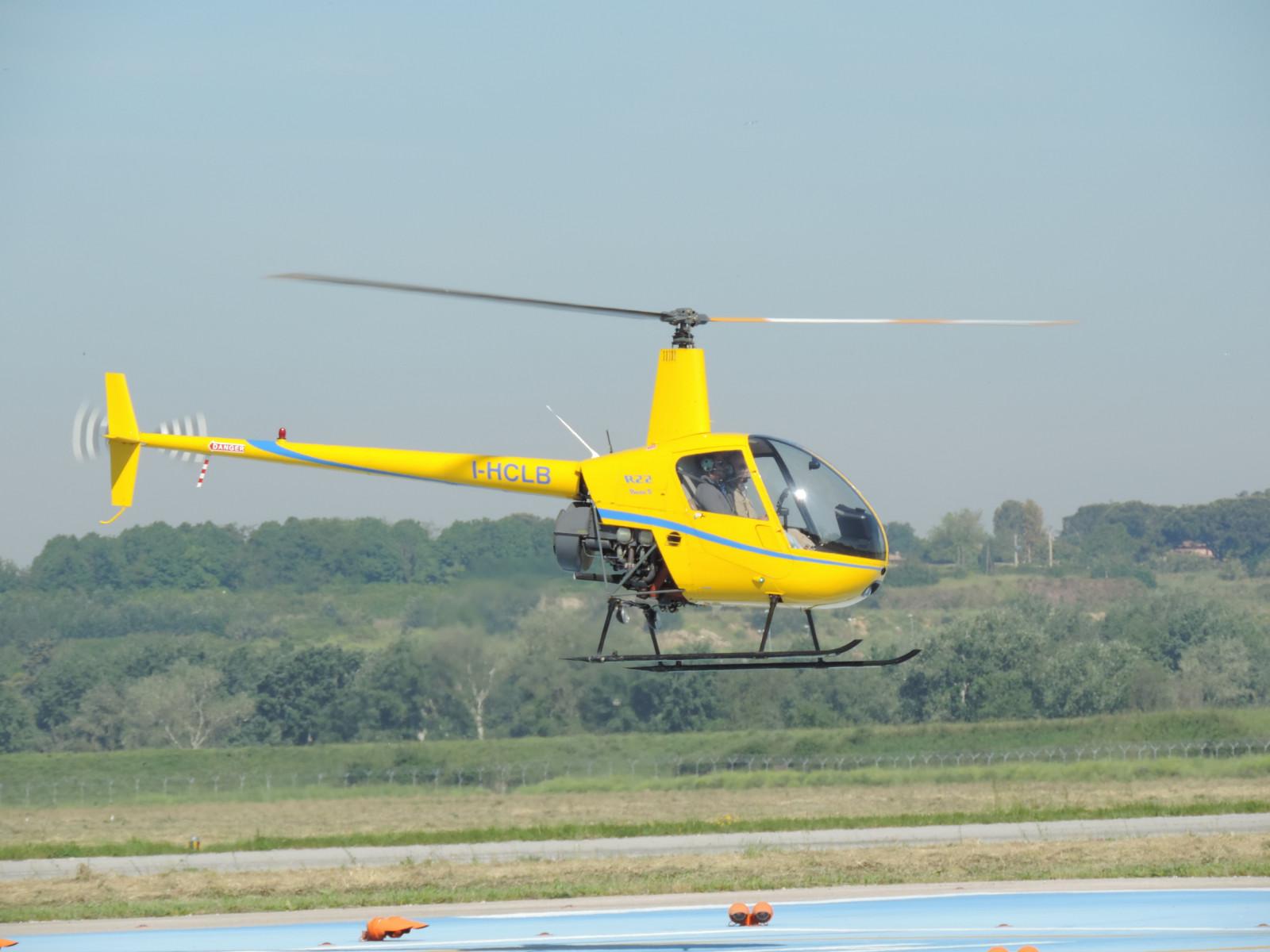 Prova di pilotaggio in elicottero a Roma