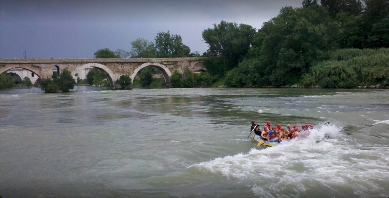 Rafting urbano sul Tevere nel cuore di Roma