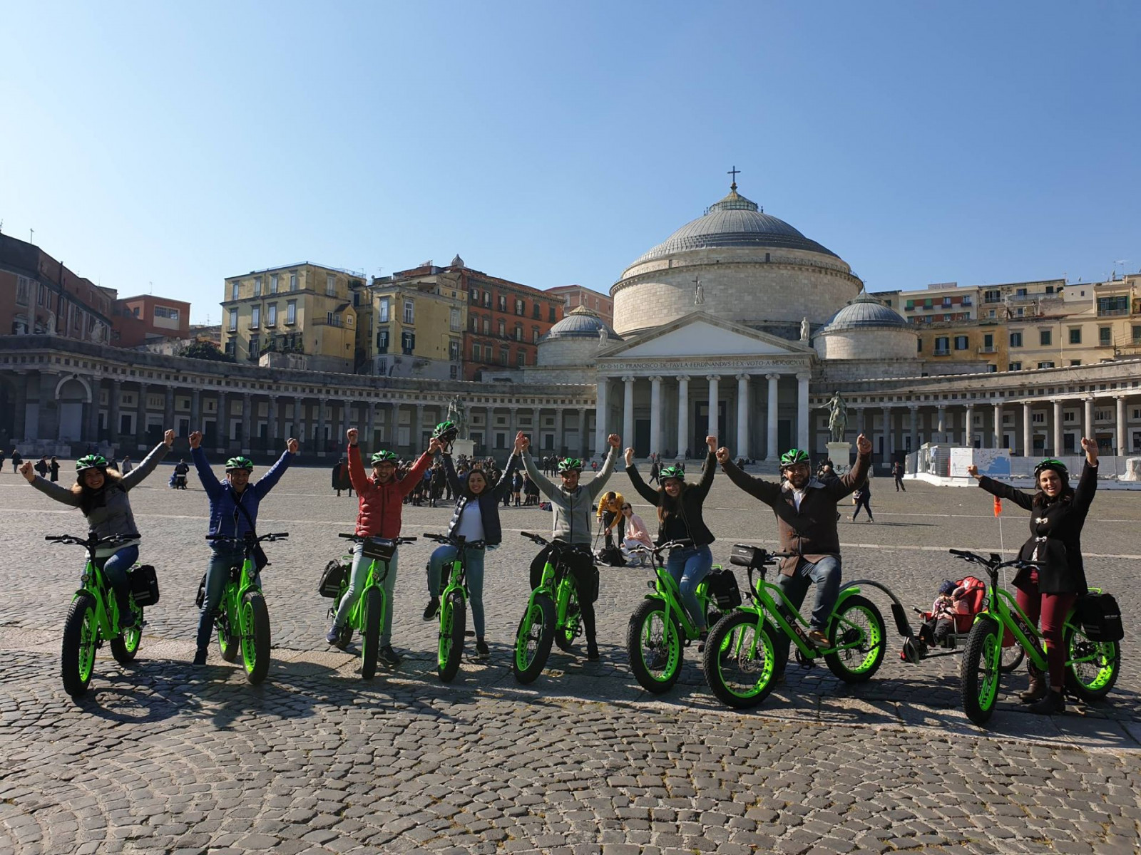 Street-food tour in e-bike a Napoli