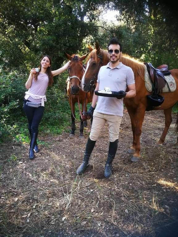 Tour a cavallo in pineta, passeggiata a Ostia Antica e degustazione