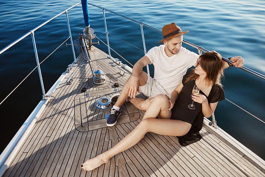 Tour in barca a vela ad Ostia e aperitivo a bordo