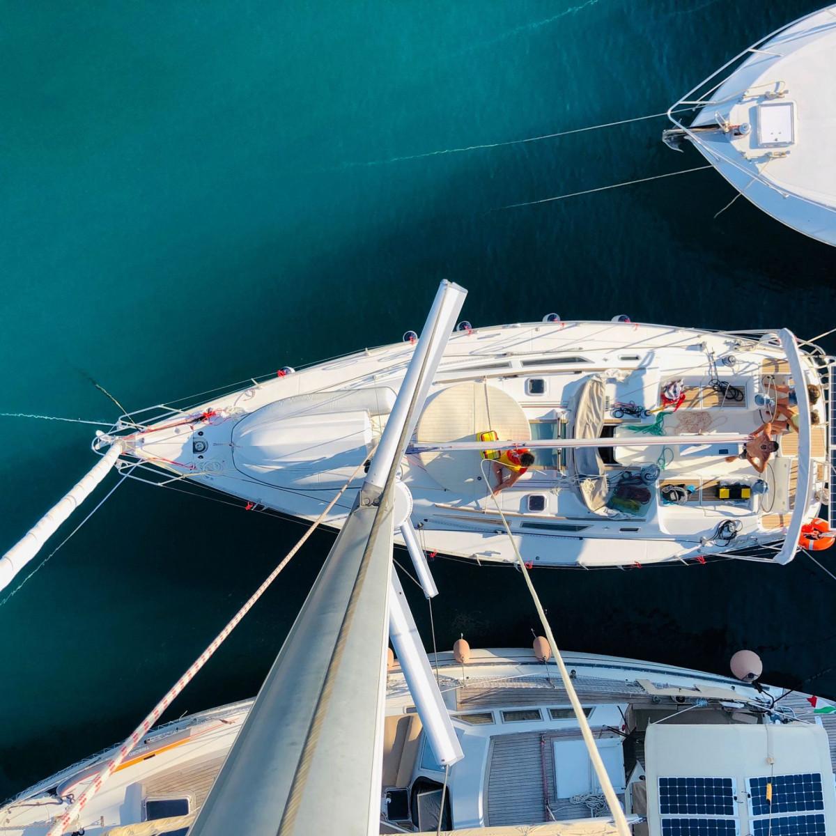 Tour in barca a vela privata a Polignano a Mare