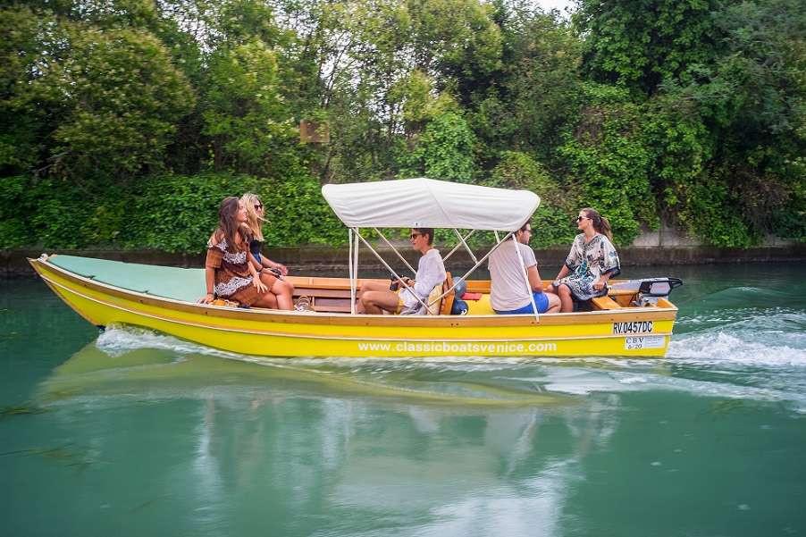 Tour di 2 ore in barca elettrica nella Laguna di Venezia