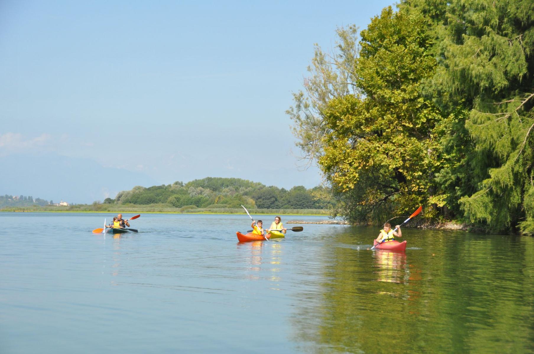 Tour di 2 ore in kayak sul Lago di Varese