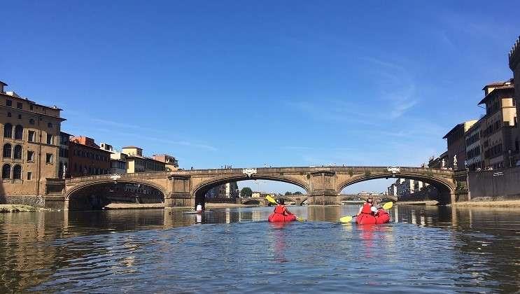 Tour in packraft sull'Arno nel cuore di Firenze
