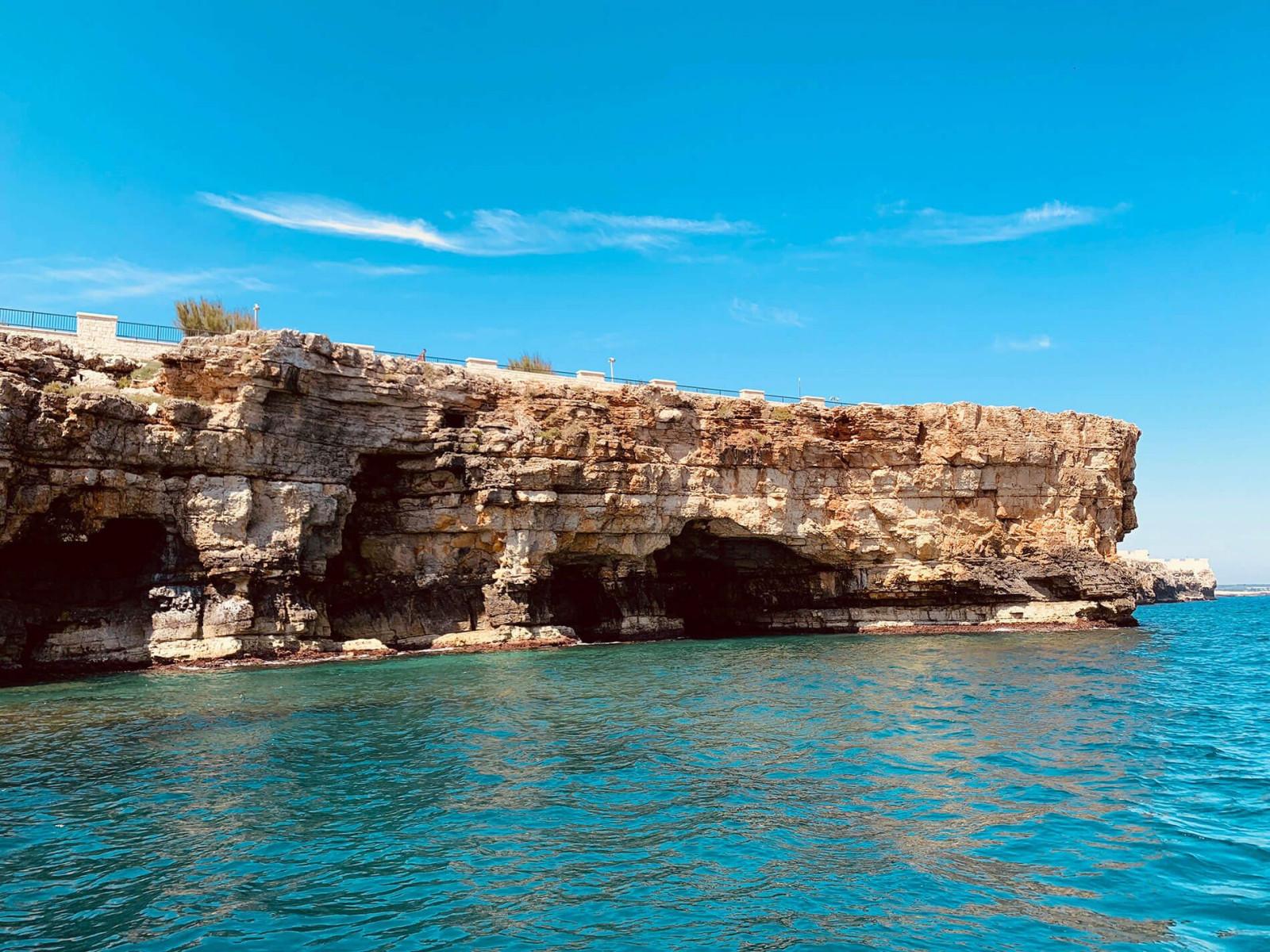 Tour privato in barca alle grotte di Polignano a Mare