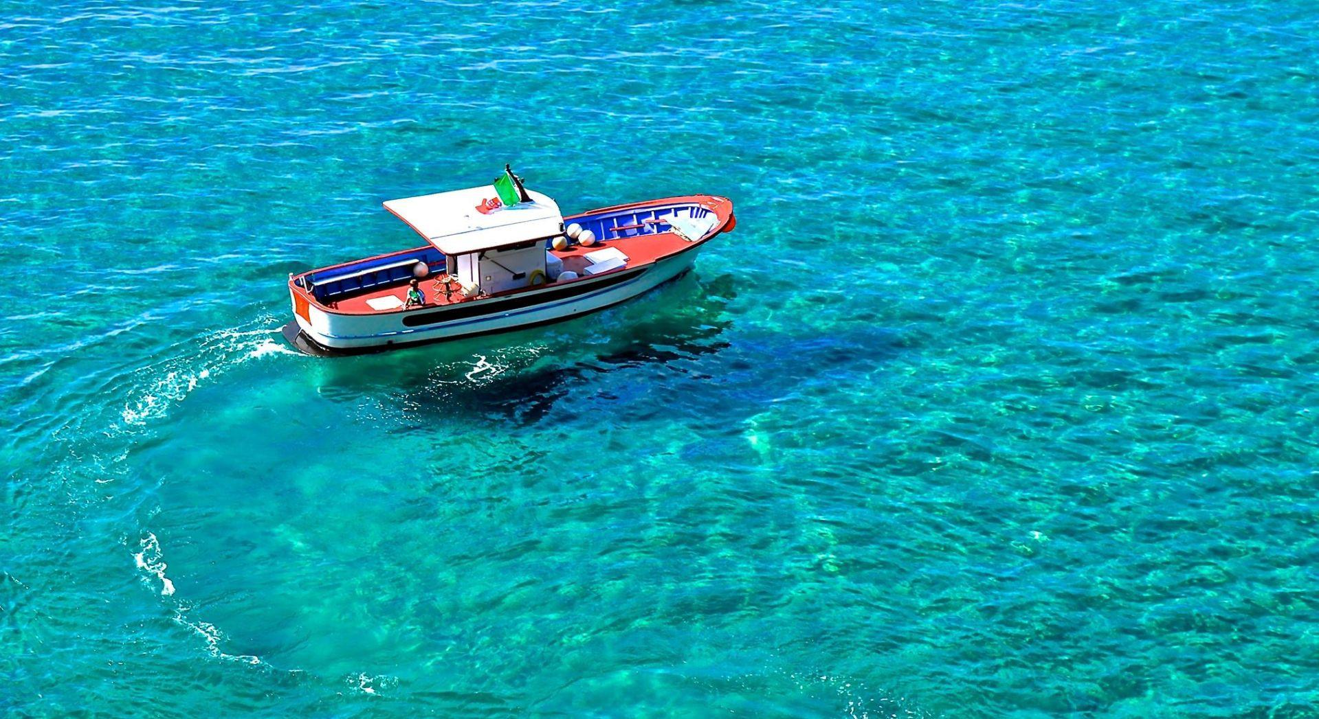 Tour privato in barca e snorkeling nella Grotta Azzurra di Sperlonga