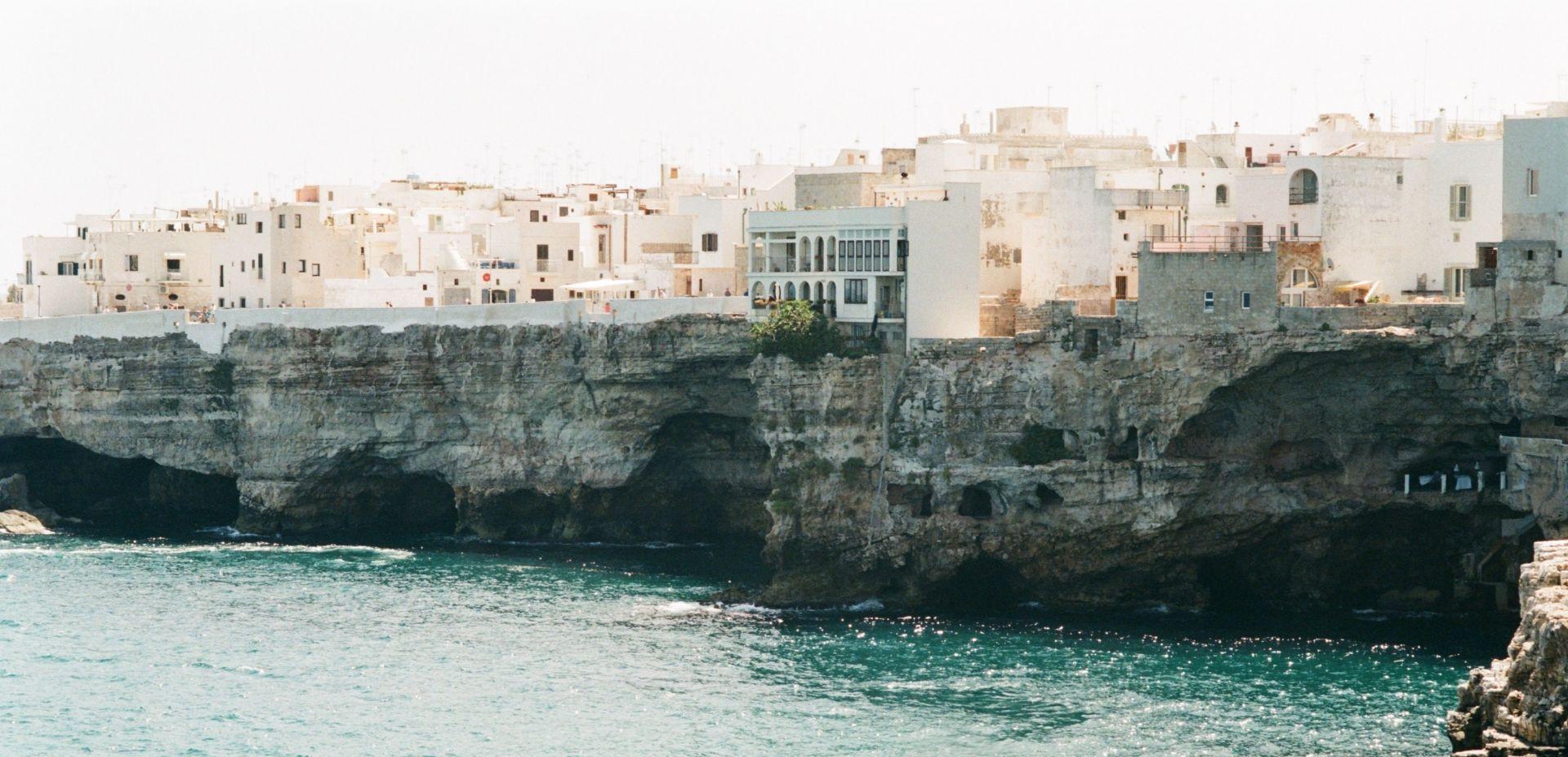 Tour privato in catamarano a Polignano a Mare