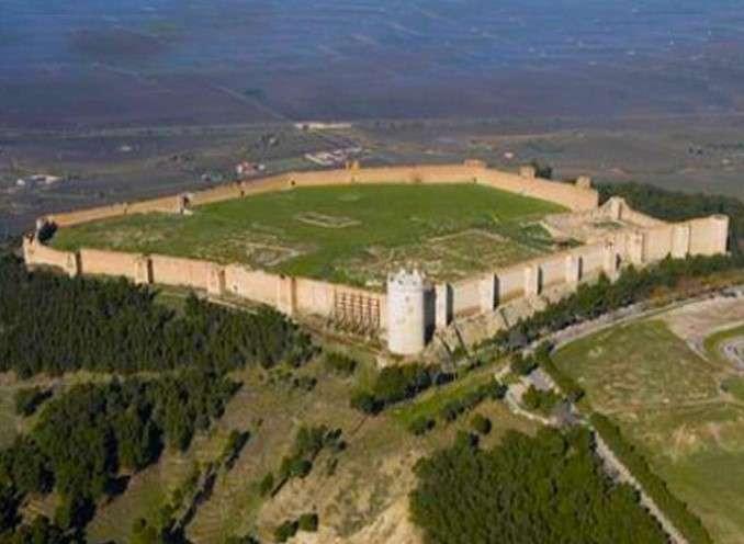 Tour privato in elicottero Fortezza Svevo-Angioina e Anfiteatro di Lucera