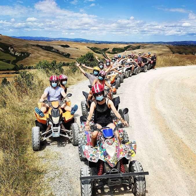 Escursione in quad sui colli del Chianti e degustazione di vino