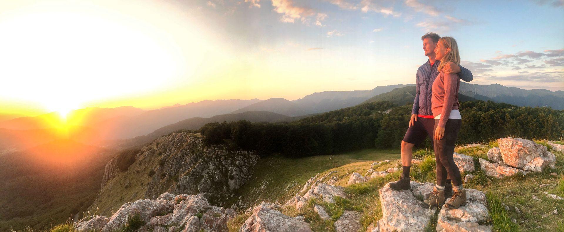 Trekking tour al tramonto alla Pania di Corfino in Garfagnana