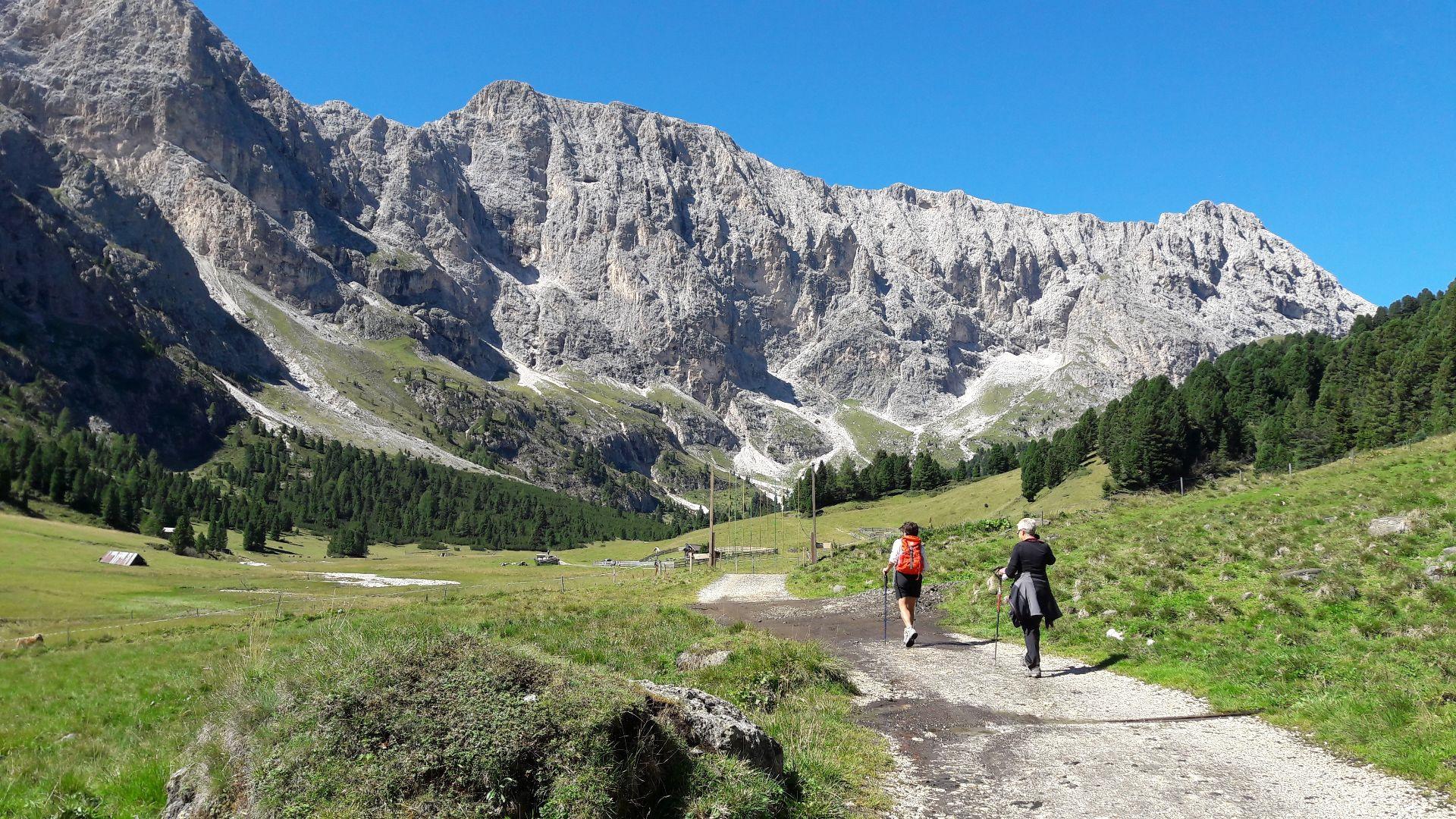 Trekking tour tra i rifugi delle Dolomiti di Brenta